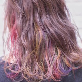 デザインカラー フェミニン インナーカラー カラーバター ヘアスタイルや髪型の写真・画像