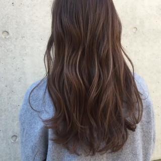 パーマ 色気 フェミニン フリンジバング ヘアスタイルや髪型の写真・画像 ヘアスタイルや髪型の写真・画像