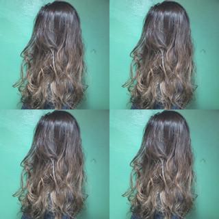 コンサバ グラデーションカラー 透明感 ハイトーン ヘアスタイルや髪型の写真・画像