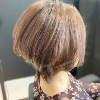 ショート 大人女子 ショートヘア ナチュラル ヘアスタイルや髪型の写真・画像