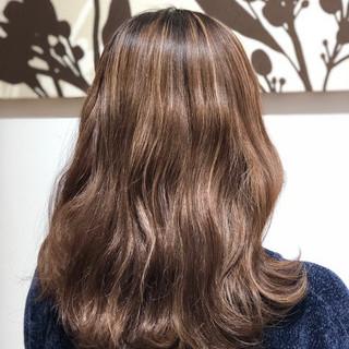 ブラウンベージュ 外国人風 ブリーチ ミルクティーベージュ ヘアスタイルや髪型の写真・画像