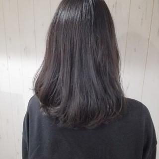 暗髪 アッシュ ナチュラル ミディアム ヘアスタイルや髪型の写真・画像