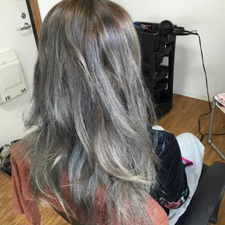 フェミニン モード グラデーションカラー 外国人風 ヘアスタイルや髪型の写真・画像 ヘアスタイルや髪型の写真・画像