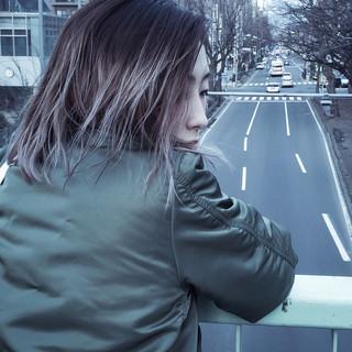 外国人風 アッシュグレー アッシュ グラデーションカラー ヘアスタイルや髪型の写真・画像