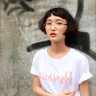 ピュア 暗髪 ストリート 前髪あり ヘアスタイルや髪型の写真・画像