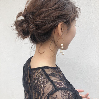 アンニュイほつれヘア 簡単ヘアアレンジ 結婚式 伸ばしかけ ヘアスタイルや髪型の写真・画像