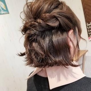 ヘアアレンジ フェミニン ボブ 外ハネ ヘアスタイルや髪型の写真・画像