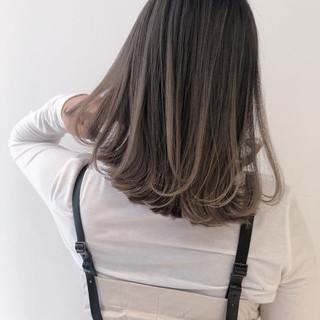 ミルクティーベージュ ピンクラベンダー ヌーディベージュ ナチュラル ヘアスタイルや髪型の写真・画像