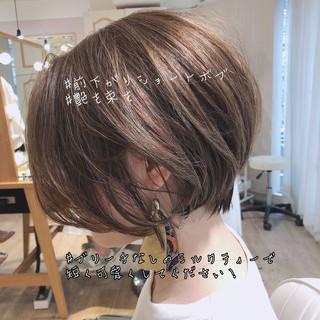 ナチュラル オフィス デート 小顔ショート ヘアスタイルや髪型の写真・画像