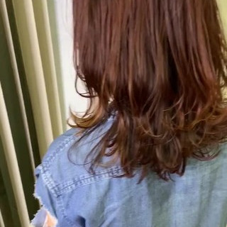 フェミニン ミディアム コントラストハイライト 3Dハイライト ヘアスタイルや髪型の写真・画像