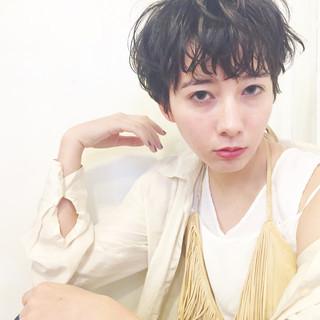 外国人風 アッシュ パーマ ショート ヘアスタイルや髪型の写真・画像 ヘアスタイルや髪型の写真・画像