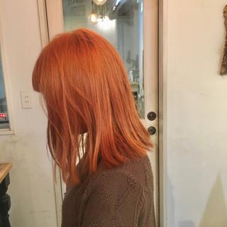 オレンジブラウン ストリート オレンジカラー ミディアム ヘアスタイルや髪型の写真・画像