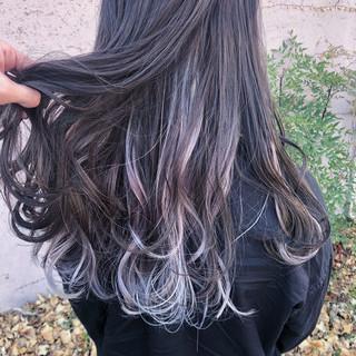 セミロング インナーカラーホワイト ナチュラル ヘアアレンジ ヘアスタイルや髪型の写真・画像