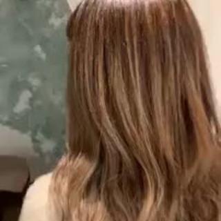 ハイライト グラデーションカラー エレガント ゆるふわ ヘアスタイルや髪型の写真・画像