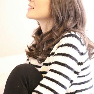 モテ髪 ナチュラル 透明感 セミロング ヘアスタイルや髪型の写真・画像