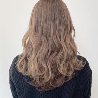 ダブルカラー ロング ベージュ 外国人風カラー ヘアスタイルや髪型の写真・画像