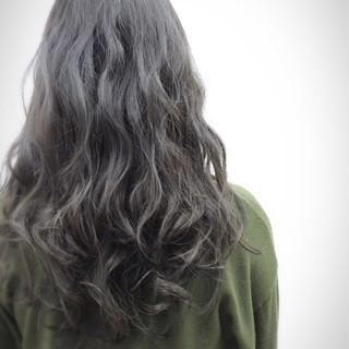 グレージュ モード グレーアッシュ アッシュグレージュ ヘアスタイルや髪型の写真・画像