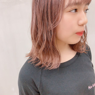 ミディアム ピンク ロブ コーラルピンク ヘアスタイルや髪型の写真・画像