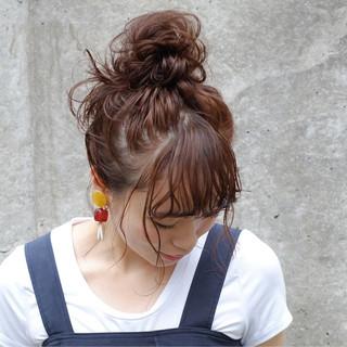 ルーズ シニヨン ヘアアレンジ 秋 ヘアスタイルや髪型の写真・画像
