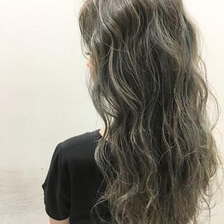 外国人風 ロング ハイライト グラデーションカラー ヘアスタイルや髪型の写真・画像