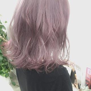 外国人風 ゆるふわ フェミニン 暗髪 ヘアスタイルや髪型の写真・画像 ヘアスタイルや髪型の写真・画像