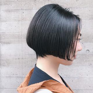 毛先パーマ ショートボブ アンニュイほつれヘア 黒髪 ヘアスタイルや髪型の写真・画像