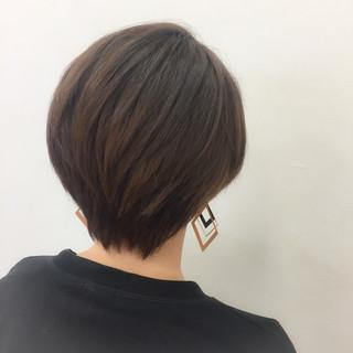ショート ストレート 暗髪 ブラウン ヘアスタイルや髪型の写真・画像 ヘアスタイルや髪型の写真・画像