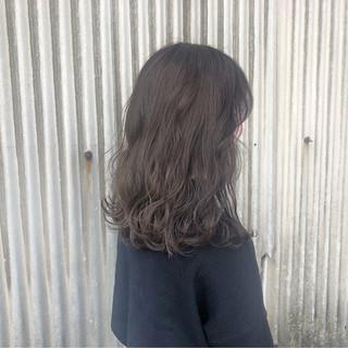 ゆるふわ ナチュラル ウェーブ 透明感 ヘアスタイルや髪型の写真・画像