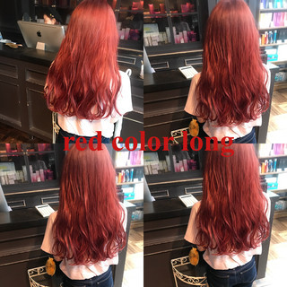 レッド ロング ストリート ピンク ヘアスタイルや髪型の写真・画像