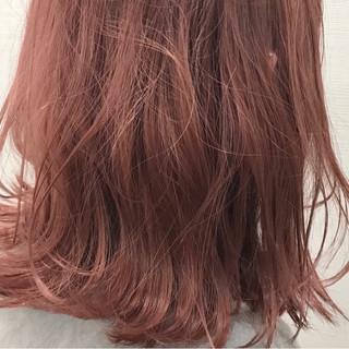 ガーリー ブリーチ ボブ レッド ヘアスタイルや髪型の写真・画像