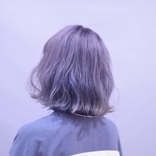 ブルー フェミニン ボブ シルバー ヘアスタイルや髪型の写真・画像
