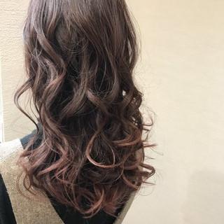フェミニン ロング 抜け感 ゆるふわ ヘアスタイルや髪型の写真・画像 ヘアスタイルや髪型の写真・画像