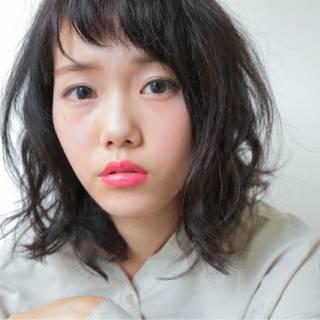卵型 黒髪 ミディアム ゆるふわ ヘアスタイルや髪型の写真・画像