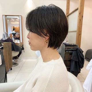 ナチュラル ショートヘア 前下がり ショート ヘアスタイルや髪型の写真・画像