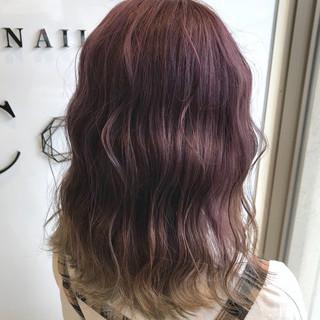 ダブルカラー セミロング 外国人風カラー ラベンダー ヘアスタイルや髪型の写真・画像