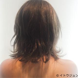 ナチュラル 色気 アッシュ ハイライト ヘアスタイルや髪型の写真・画像