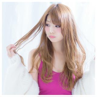 ロング ハイトーン ガーリー フェミニン ヘアスタイルや髪型の写真・画像