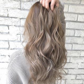 大人かわいい ハイライト ナチュラル トリートメント ヘアスタイルや髪型の写真・画像 ヘアスタイルや髪型の写真・画像