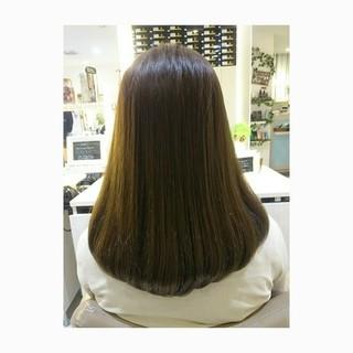 イルミナカラー ナチュラル ブラウンベージュ ストレート ヘアスタイルや髪型の写真・画像