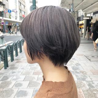 ショートボブ グレージュ アッシュグレージュ ショート ヘアスタイルや髪型の写真・画像