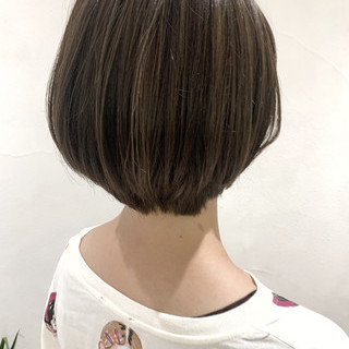 大人ハイライト ショート 地毛ハイライト 極細ハイライト ヘアスタイルや髪型の写真・画像