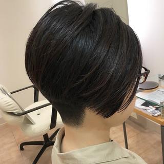 まとまるボブ くびれボブ 刈り上げ ショート ヘアスタイルや髪型の写真・画像