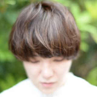 アウトドア 外国人風 パーマ モード ヘアスタイルや髪型の写真・画像