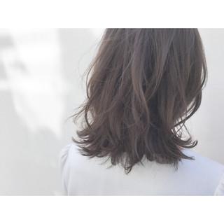 アッシュ 暗髪 外国人風 セミロング ヘアスタイルや髪型の写真・画像