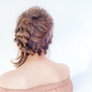 編み込み 可愛い ナチュラル ヘアアレンジ ヘアスタイルや髪型の写真・画像
