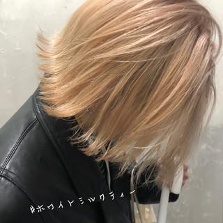 切りっぱなしボブ インナーカラー ウルフカット ミニボブ ヘアスタイルや髪型の写真・画像