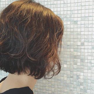 くせ毛風 パーマ 外国人風 黒髪 ヘアスタイルや髪型の写真・画像