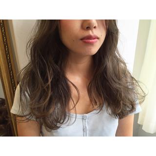 ロング 透明感 秋 ナチュラル ヘアスタイルや髪型の写真・画像 ヘアスタイルや髪型の写真・画像