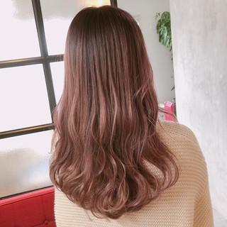 ゆるふわ ロング ピンクベージュ フェミニン ヘアスタイルや髪型の写真・画像