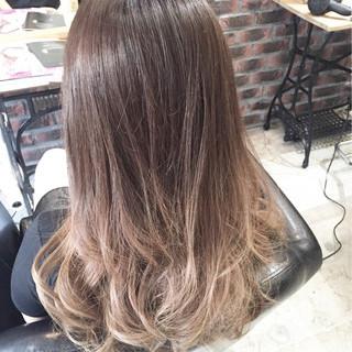 ダブルカラー セミロング 外国人風 ストリート ヘアスタイルや髪型の写真・画像 ヘアスタイルや髪型の写真・画像